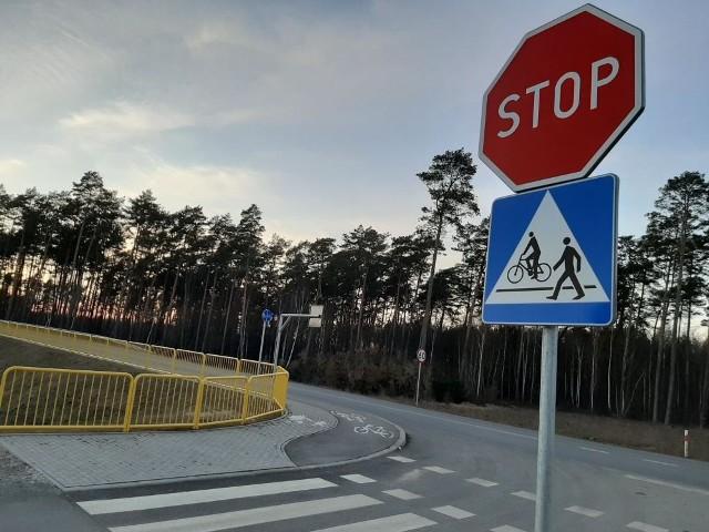 Bydgoski Zarząd Dróg Wojewódzkich buduje w regionie coraz więcej ścieżek rowerowych. Taka jest potrzebna z Więcborka do zakładu produkcyjnego w Runowie Krajeńskim