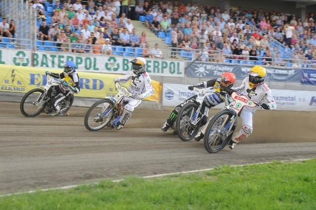 Unibax Toruń pokonał Falubaz. Bonus zdobyli jednak zielonogórzanie.