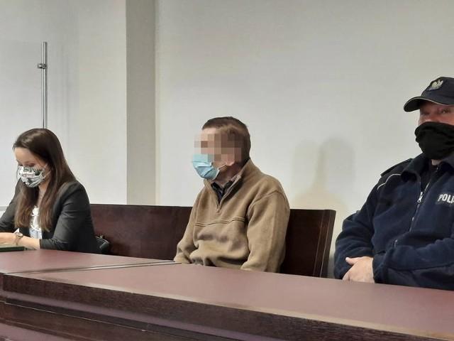 Za znęcanie się nad rodziną sąd skazał 70-latka na siedem miesięcy więzienia