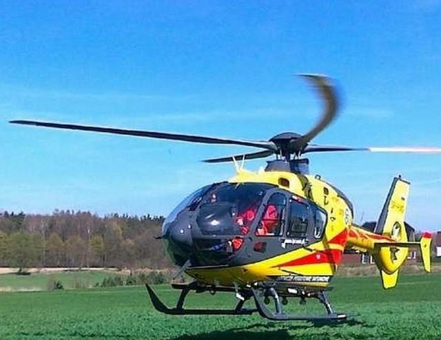 Śmigłowiec Lotniczego Pogotowia Ratunkowego przetransportował dziecko do szpitala.