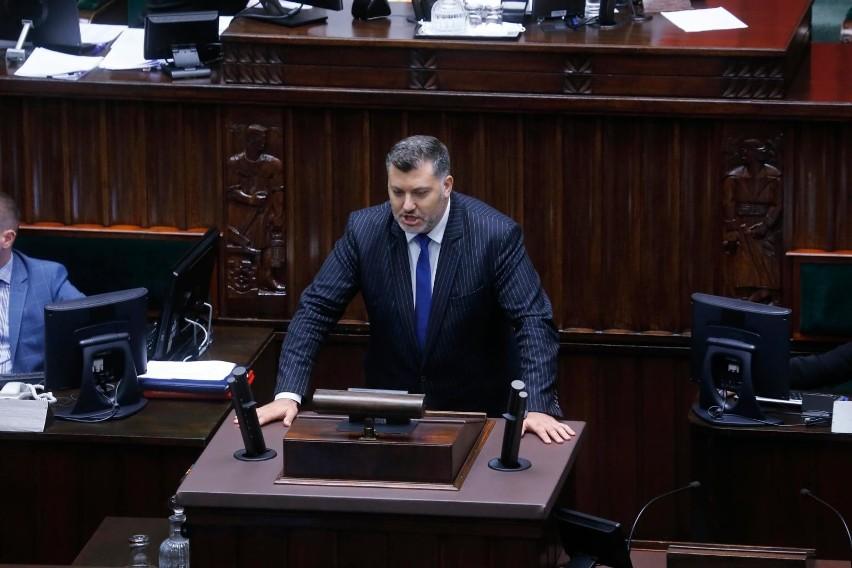 Poseł Konfederacji Artur Dziambor podczas posiedzenia Sejmu...