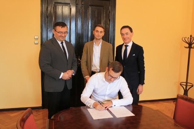 Podpisanie umowy o współpracy 29 października.