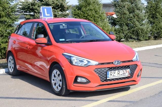 Wojewódzki Ośrodek Ruchu Drogowego w Przemyślu, jako pierwszy w regionie, wznawia egzaminy na prawo jazdy.