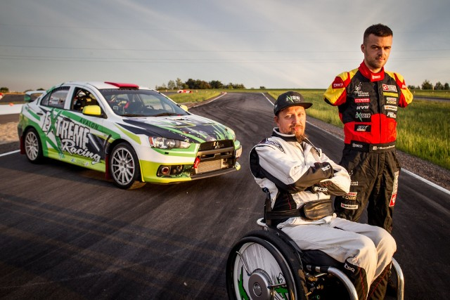 EXTREME Racing Cup to pierwsze zawody motoryzacyjne, podczas których kierowcy sprawni i niepełnosprawni połączą siły.