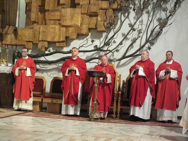 Podczas mszy świętej dziękczynnej za opiekę Świętej. Barbary nad miastem i mieszkańcami.