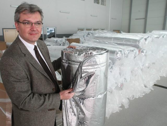 Xavier LucasW hali Kieleckiego Parku Technologicznego na początku marca firma REBOND ruszyła z produkcją folii izolacyjnej. Xavier Lucas, prezes spółki, przedstawił nam jej zalety.