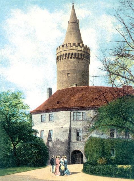 Wieży nie dały rady wojny, nie unicestwiły pożary.