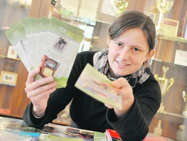 - Do nas przychodzą prośby o rozmaite gadżety nawet z zagranicy - mówi Paulina Polan z biura zielonogórskiej informacji turystycznej