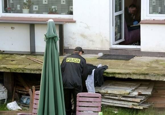 Ciało zabitego brata znaleziono w ogrodzie domu na szczecińskich Gumieńcach.
