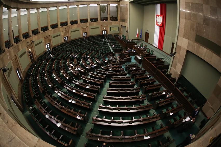 Państwowa komisja ds. pedofilii. Sejm wybiera swoich przedstawicieli. Komisja ma liczyć siedmiu członków. Na razie znamy trzech