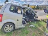 Poważny wypadek w Barwicach. Jedno auto dosłownie się rozpadło [zdjęcia]