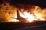 Katastrofa samolotu na Ukrainie, 26 osób nie żyje. Dwóch mężczyzn wyskoczyło z maszyny, jeden przeżył (VIDEO)