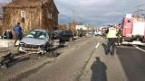 Groźny wypadek w Mikołowie na DK 44. Kierowca zasłabł i zderzyły się trzy samochody ZDJĘCIA