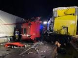 Koszmarny wypadek TIRów na autostradzie A1 w Woźnikach. Kabina została zmiażdżona. Droga była zablokowana