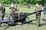 Żołnierze i wojskowy sprzęt w Witnicy. Piknik militarny cieszył się dużym zainteresowaniem. Tu każdy mógł poczuć się jak żołnierz