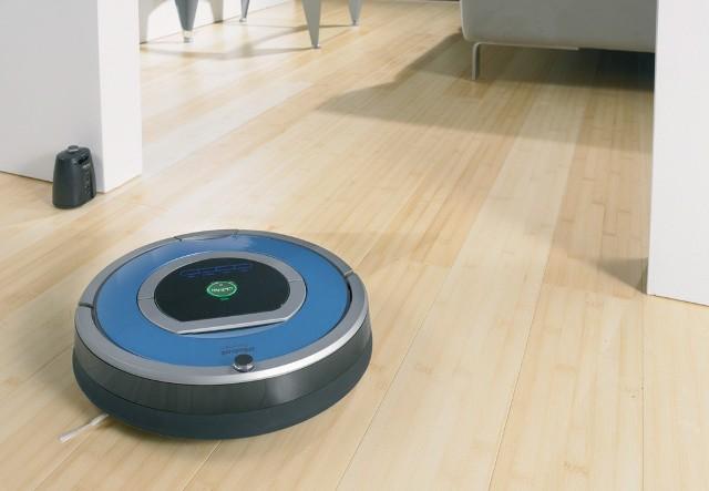 Robot RoombaTaki robot to marzenie gospodyń domowych. Jest kilka modeli na rynku i dalej pojawiają się nowe, udoskonalone.