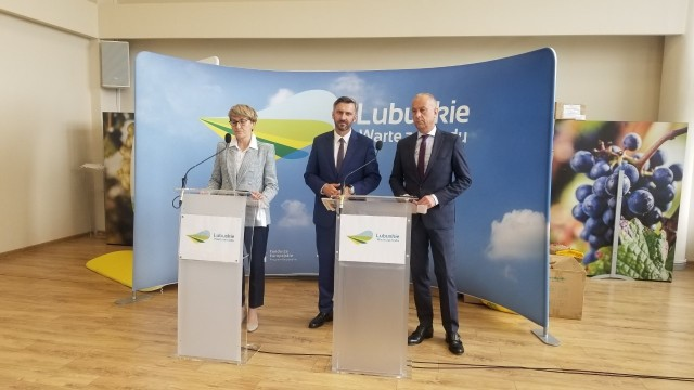 Politycy PO wyjaśniają, dlaczego do województwa lubuskiego nie trafi więcej unijnych pieniędzy.