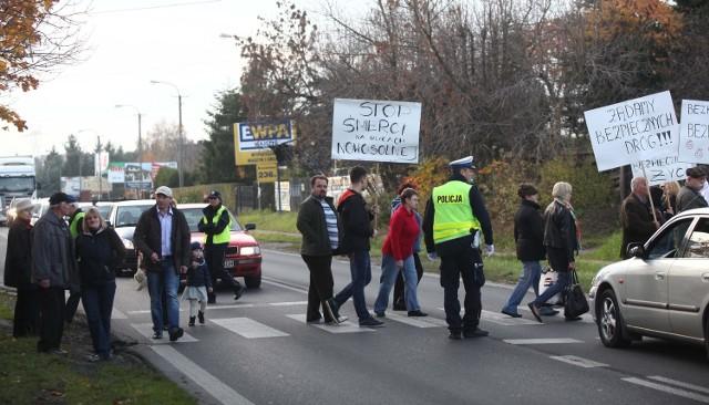 Mieszkańcy Nowosolnej protestują przeciwko opóźnieniom przy projektowaniu obwodnicy