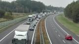 Ogromny korek na A4 w Kleszczowie. Trwają prace drogowe - w kierunku Katowic czynny jeden pas