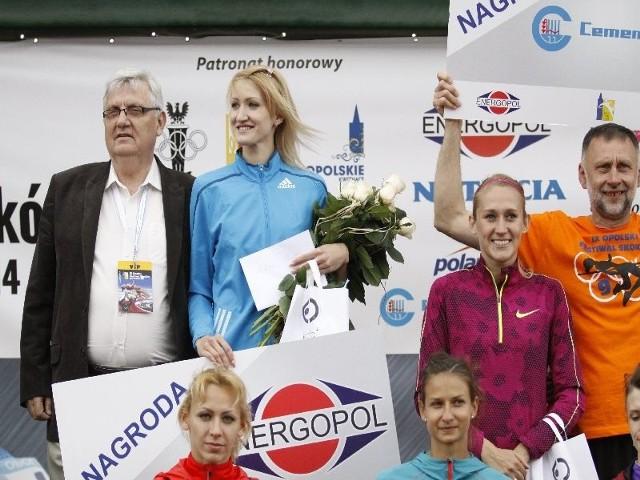Wśród pań zwyciężyła Swietłana Radziwiłł z Uzbekistanu (w błękitnej buzie).  Rekordziska Polski Kamila Lićwinko (z prawej) tym razem stanęła na najniższym stopniu podium.