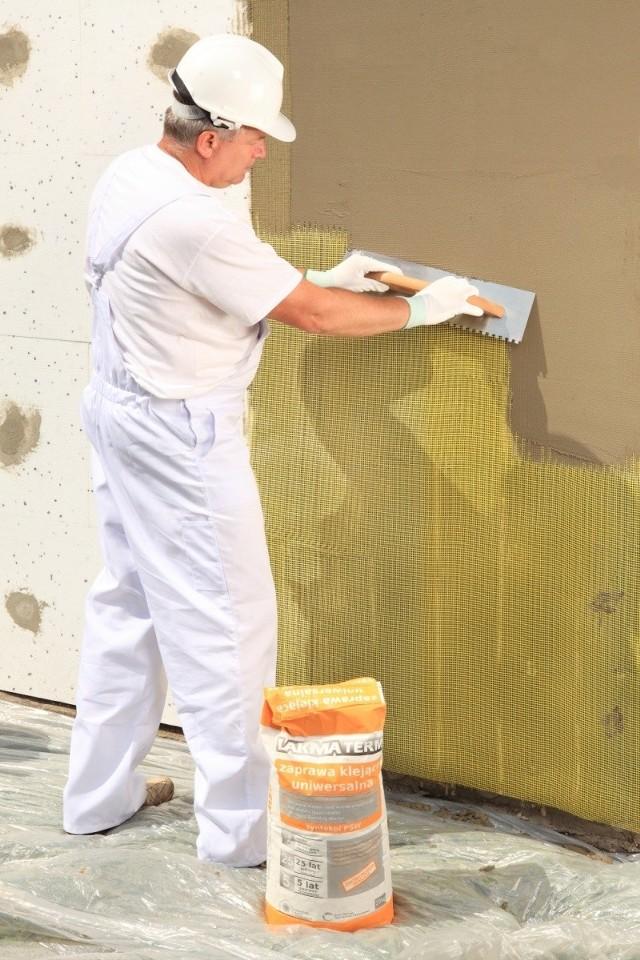 Termoizolacja ścian domuNowe prawo wymusi poprawę izolacyjności termicznej ścian.