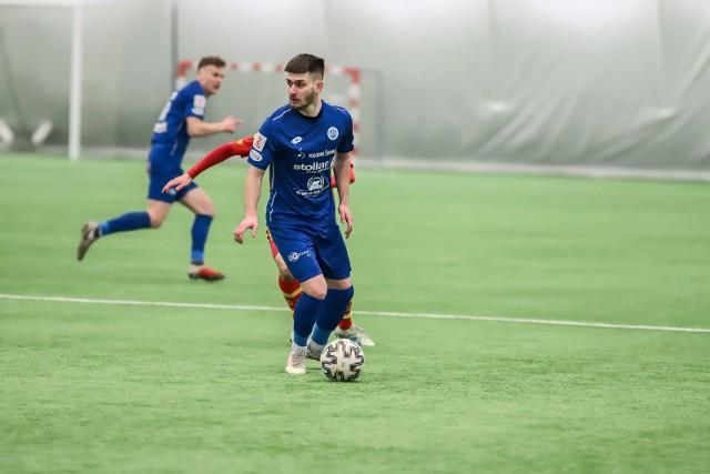 Piłkarze Wigier rozpoczynają w Pruszkowie walkę o powrót do I ligi