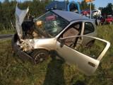 Wypadek na DK 74 w miejscowości Kolonia Szczercowska pod Bełchatowem. Zderzenie dwóch samochodów. 5 osób rannych. Dziecko w ciężkim stanie