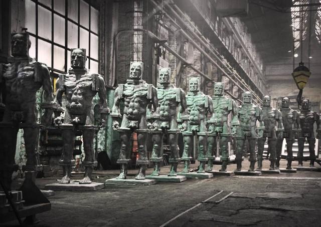 Las takich posągów stanie w Kielcach na Placu Artystów już w sobotę. Wszystko dzięki hojności prywatnego mecenasa sztuki, właściciela firmy Dorbud, Tomasza Tworka
