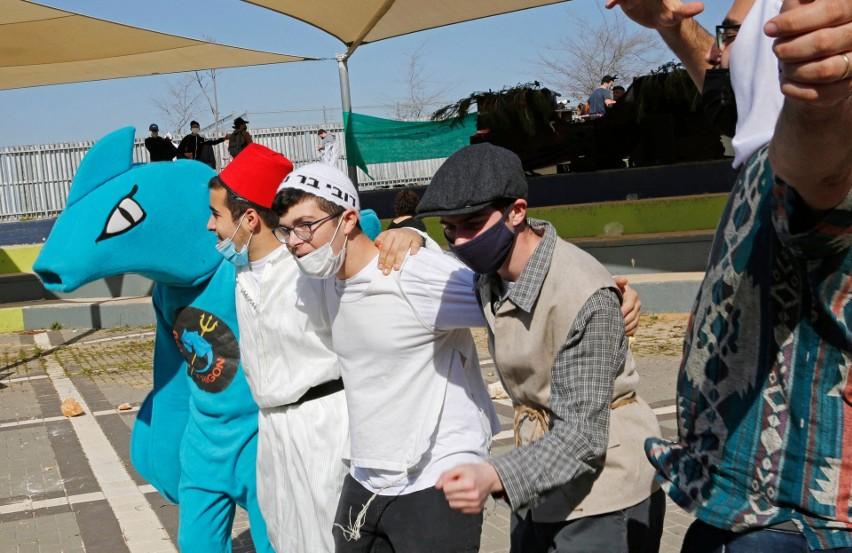Izrael: kontrowersyjne prawo ma namawiać ludzi, by szczepili się przeciwko koronawirusowi