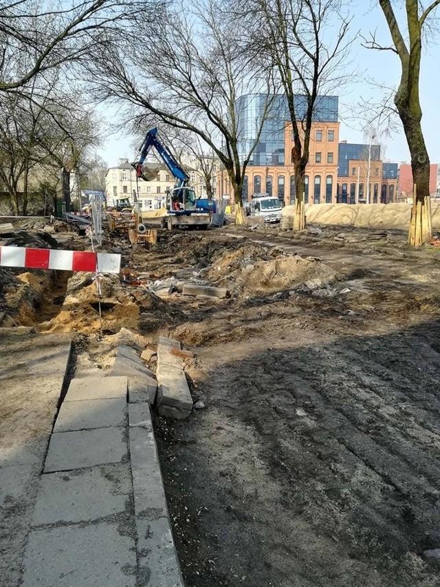 Szybkie tempo prac na skrzyżowaniu Dąbrowskiego z Kilińskiego w Łodzi