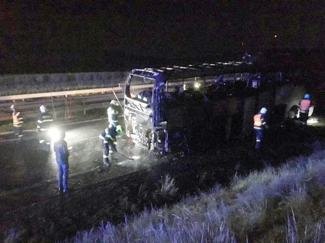 Do pożaru polskiego autokaru doszło 13 maja na terenie Czech na autostradzie D46 przed Prościejowem. Jechało nim 44 dzieci.