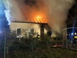 Pożar w Wymyślance koło Lwówka - spłonął cały dom. Mężczyzna stracił dorobek życia [ZDJĘCIA]