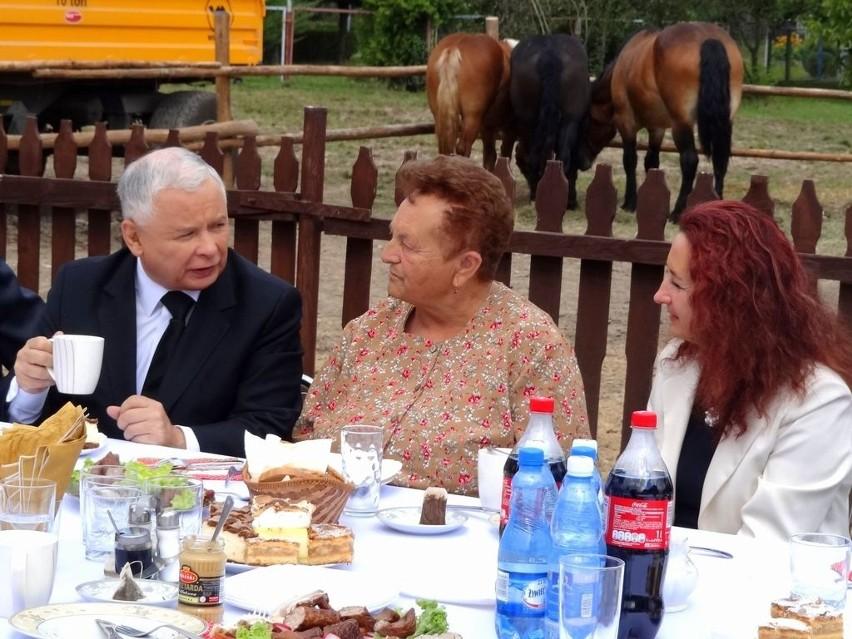 Jarosław Kaczyński na śniadaniu u rolnika w Paszczynie [FOTO+WIDEO]