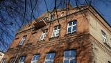 Ul. Warszawska 10. Fabryka włókiennicza Julisza Flakiera wpisana do rejestru zabytków