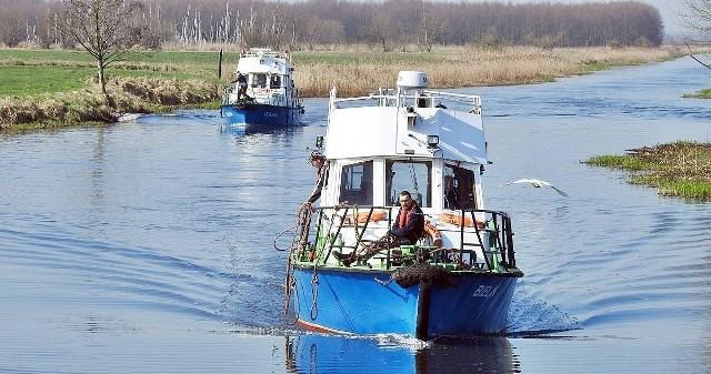 """By dotrzeć do portu rzecznego w Nakle """"Bielik"""" i """"Czajka"""" pokonały ponad 600 km przepływając odcinek Odry, Warty i Noteci"""