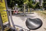 W Bydgoszczy jest coraz więcej plenerowych siłowni. Niektóre wyglądają kiepsko [zdjęcia]