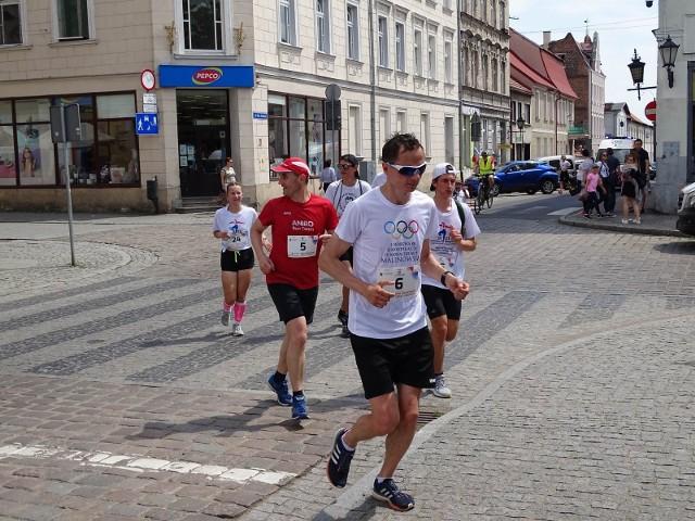 W Chełmnie łączyły się sztafety  biegnące do Grudziądza z okazji 70. rocznicy urodzin wybitnego polskiego lekkoatlety Bronisława Malinowskiego