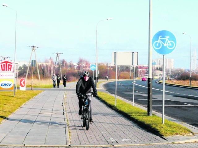 Ścieżek rowerowych jest teraz w Pabianicach niewiele…