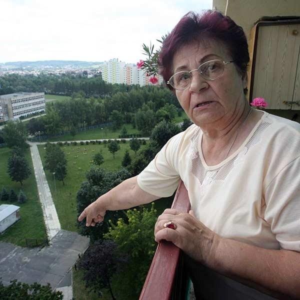 Mieszkańcy bloku przy ulicy Podwisłocze 4 zapowiadają, że nie pozwolą postawić sobie na wprost okien 11-piętrowego wieżowca.