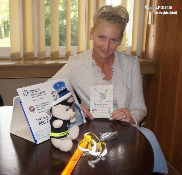 Adrianna dostała prezent od jastrzębskiej policji