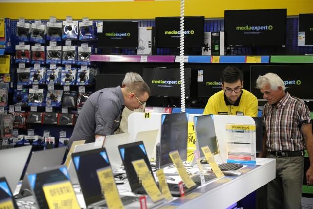 Black Friday 2020 - laptopy. Chcesz kupić nowy komputer? Takie okazje mają Media Expert, Media Markt i RTV Euro AGD [lista]