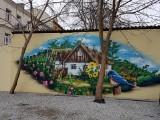 Nie tylko dziewczynka z konewką. Czyli nietypowe murale w centrum Białegostoku. Sprawdź, czy wiesz gdzie się znajdują (zdjęcia)