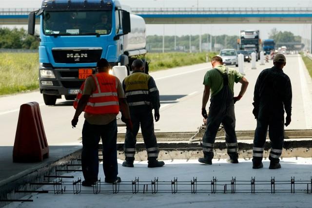 Dziś prace na A4 pod Wrocławiem będą trwały do godz. 16. Kierowcy muszą się liczyć z utrudnieniami. Zdjęcie ilustracyjne