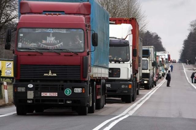 Kolumna pojazdów ma jechać z bardzo małą prędkości. To może sparaliżować Białystok.