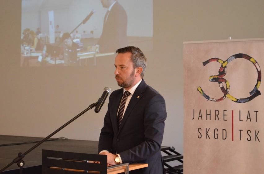 - Ostatnie miesiące wymogły jednak na nas zmianę sposobu funkcjonowania, to nowe wyzwania, przed którymi stoi nasza organizacja - podkreśla Rafał Bartek, szef TSKN.