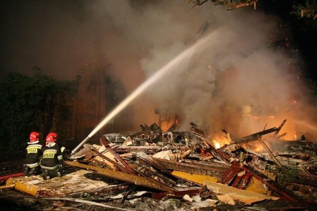 Pożar w wielorodzinnym budynku wybuchł we wtorek po godz. 20