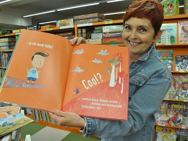 W Światowym Dniu Walki z Analfabetyzmem Miejska Biblioteka Publiczna w Opolu zaprasza dziś na wystawę książek obrazkowych. Kontaktu z książką trzeba uczyć od dziecka.