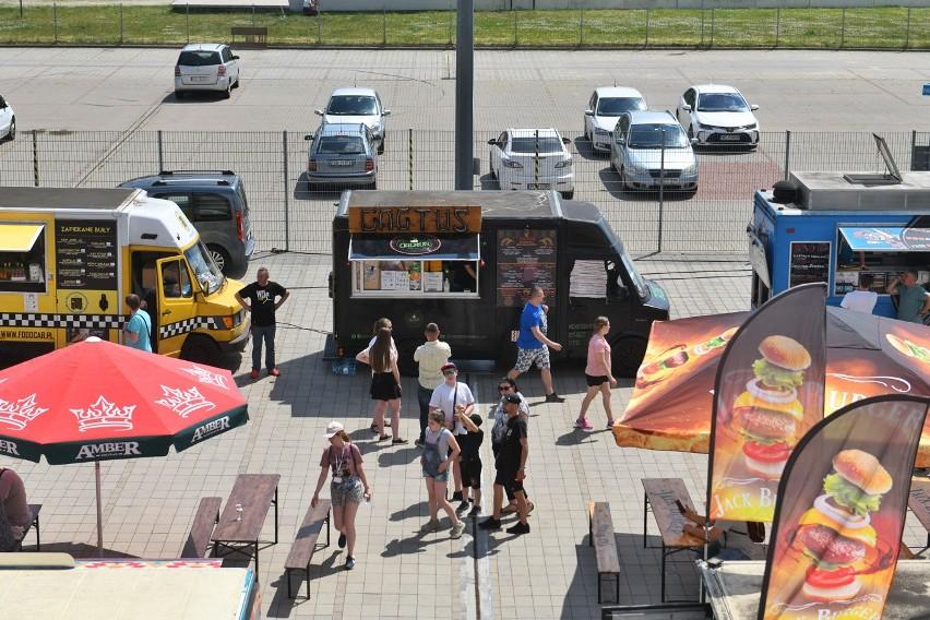 Amatorzy food trucków mogą świętować, ponieważ do Poznania...
