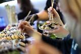 Płacisz 29 zł i jesz, ile chcesz. Czego? Sushi. W Koku Sushi w porze lunchu