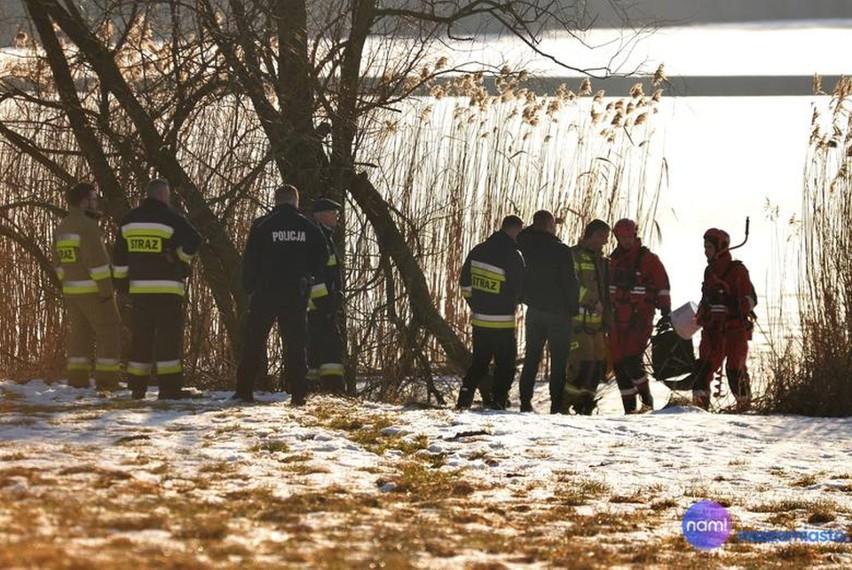 Damian Krasucki uratował wędkarza na jeziorze Krukowo w...
